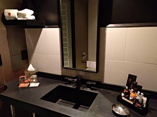 Room Mate Waldorf Towers: IMG_20171114_060316_131_large.jpg