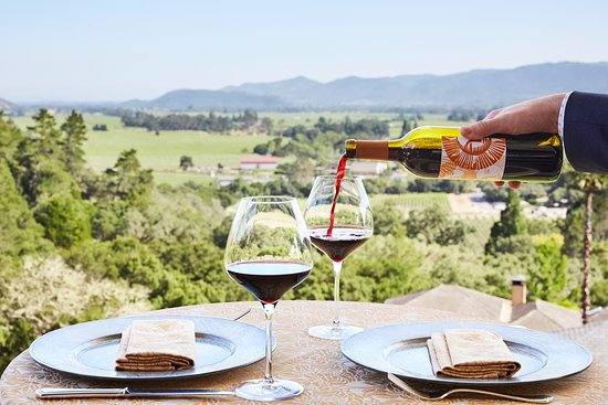 Auberge du Soleil: Wine with a view from the Restaurant terrace