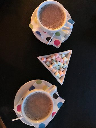 Santa Lucia, Гондурас: Hot Chocolate comes better in pairs!