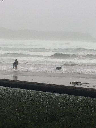 Pacific Sands Beach Resort: Storm watching