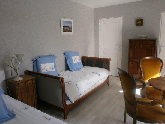 chambre le cormier un lit 160 sur 200 et un lit 90 sur 190 - Photo ... b9bbf57194ad