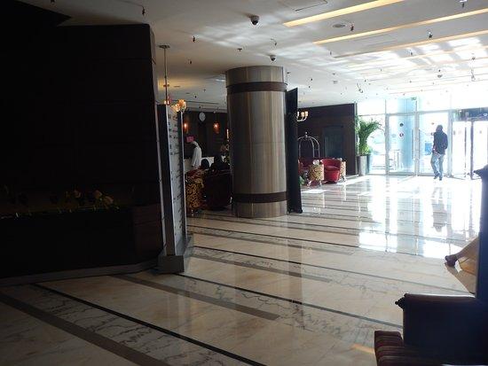 Ramada Chelsea Al Barsha: main lobby
