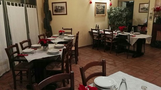 Villa Verucchio, Italia: La taverna di purett