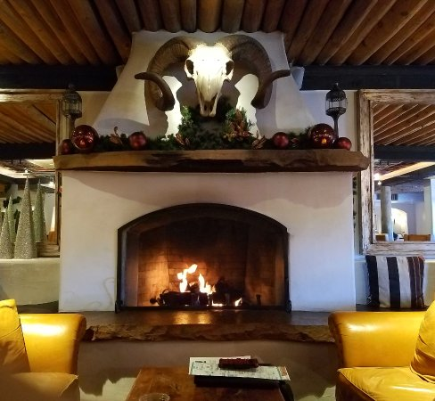 Inn and Spa at Loretto: The fireplace in the lobby