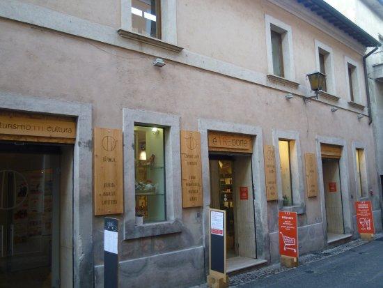 L 39 esterno del ristorante negozio photo de le tre porte for L esterno del ristorante sinonimo