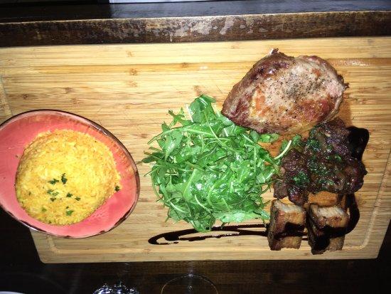 3 Boars dish