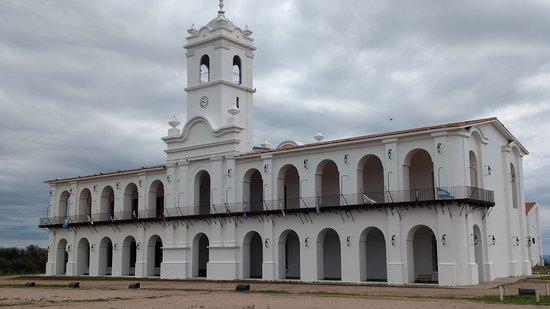 La Punta, Argentina: Cabildo por fuera