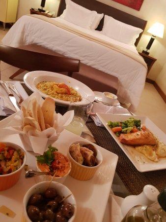 Abayomi Hotel: Refeição servida no quarto!