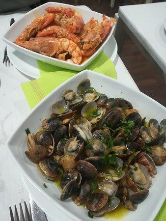 O Noel: Ameijoa, clams locais e camarões, shrimps local style.