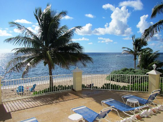 Bodden Town, Grand Cayman: Stepping out our patio door from the condo