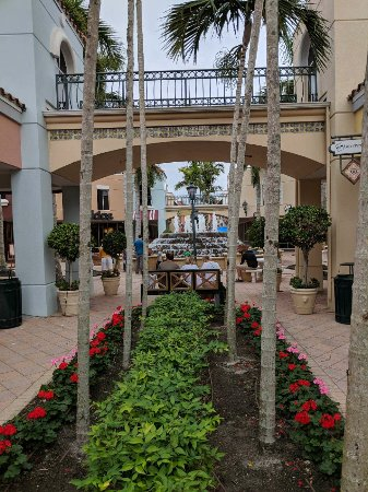 Miromar Outlets : IMG_20180101_143902_large.jpg