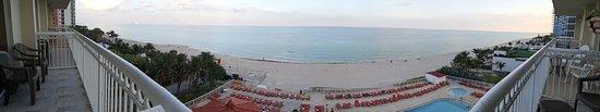 Ramada Plaza Marco Polo Beach Resort Foto