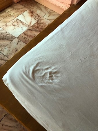 Taino Beach Resort & Clubs: our mattress.... can't be sure it was foam.
