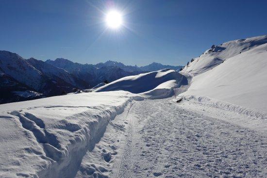 Riederalp, Svizzera: Blick vom Weg zur Fiescheralp in Richtung Matterhorn
