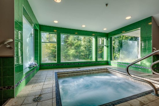 Indoor Hot Tub - Picture of Greystone Lodge, Whistler - TripAdvisor