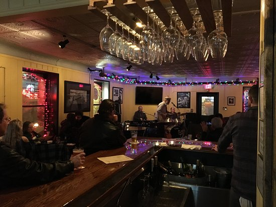 Sandpoint, ID: Live music in special occasions