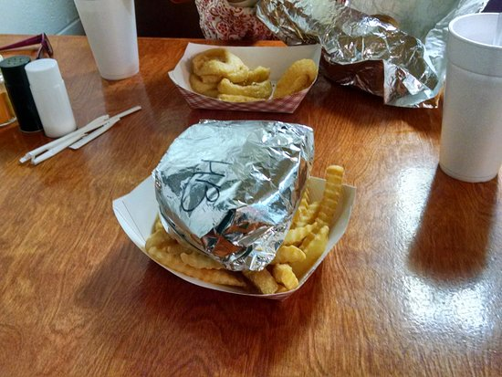 Pikeville Store-N-Deli: My Pikeville Store and Grill burger. Delicious!