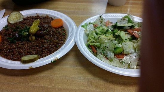 Pita House: Mjadra Lentils Plate with house salad. Excellent!