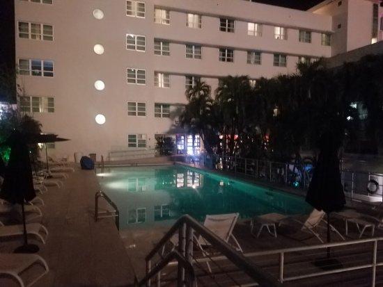 Albion South Beach: Es la parte de atras del hotel.