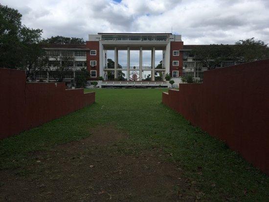 university of philippines diliman main hall ケソン シティ