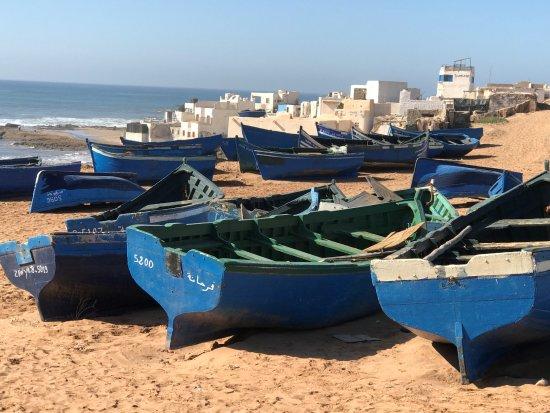 Souss-Massa-Draa Bölgesi, Fas: The famous blue boats of Tifnit - more than elsewhere