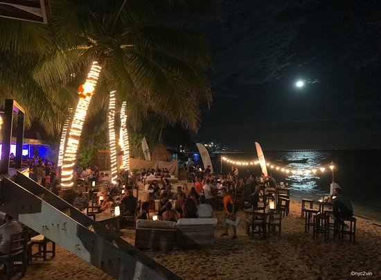 Zenzi Beach Bar & Restaurant: Margaritas Under Moonlight