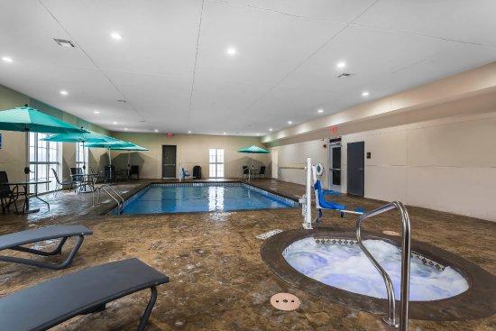 Indoor Heated Pool Indoor Whirlpool Hot Tub Picture Of Comfort Suites University Lubbock