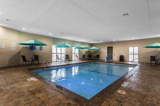 Indoor Heated Pool Indoor Whirlpool Hot Tub Foto Di Comfort Suites University Lubbock