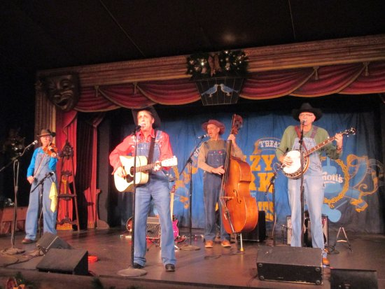 Buena Park, Kalifornien: Krazy Kirk and the Hillbillies at The Birdcage