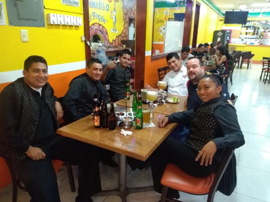 El Fogon: Late night snacks with friends