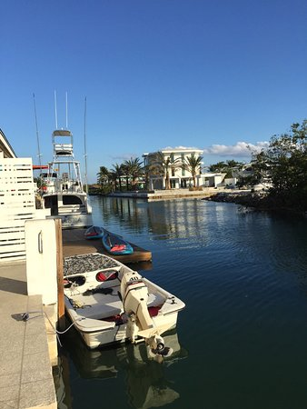 Creekside Inn Islamorada : Our room was right on the canal!