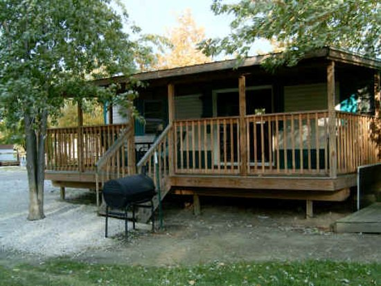 Port Clinton, OH: Lodging located at Wild Wings Marina