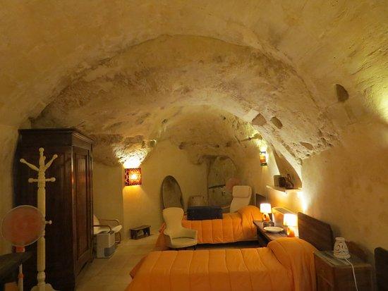 Si Di Matera Cave Accommodation