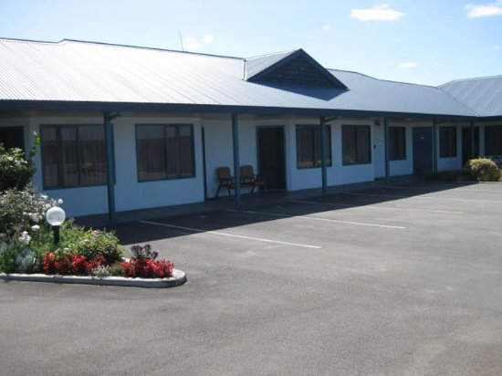 Cooks Gardens Motor Lodge: Exterior