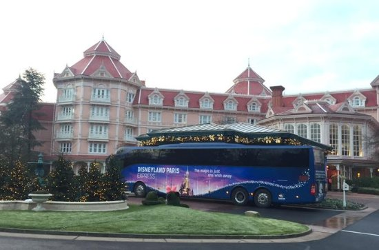 Paris to Disneyland Round-Trip Coach Transport