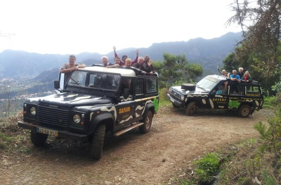 Full Day Jeep Safari East - Pico do...