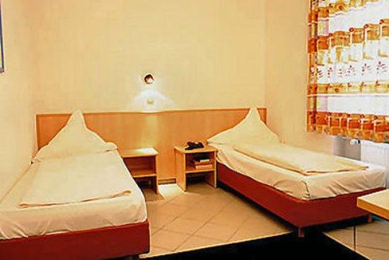 Hotel Elite an der Universität: Exterior