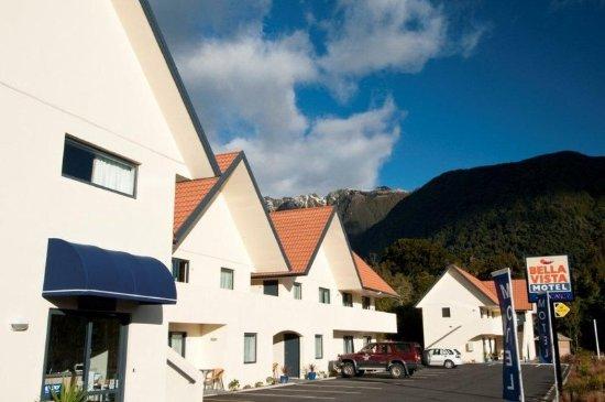 Bella Vista Motel Fox Glacier: Exterior