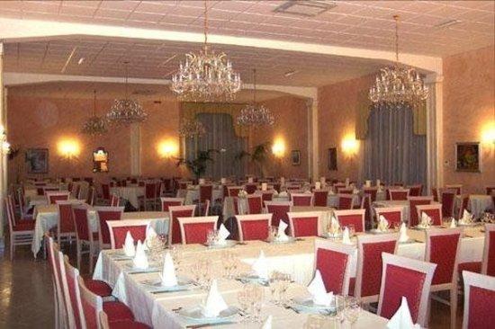 Motta Sant'Anastasia, Italia: Restaurant