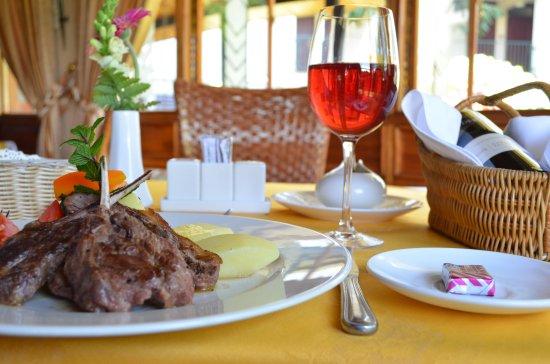 Jacaranda Nairobi Hotel: Enjoy sumptuous cuisine