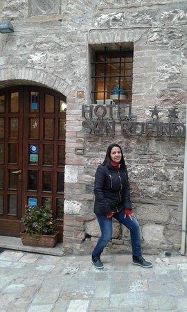 Hotel San Rufino: Entrada do hotel