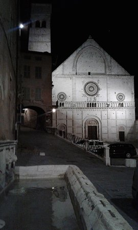 Hotel San Rufino: Igreja de San Rufino
