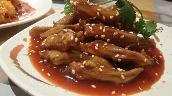 Beijingya: Entrée : Étonnant langue de canard ( à découvrir )