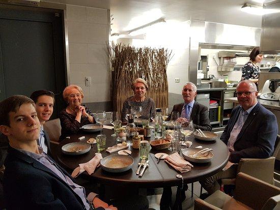Strombeek-Bever, Belgia: Ronde tafel in de keuken