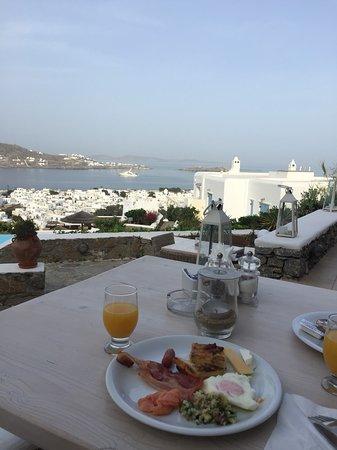 Vencia Hotel: 飯店早餐