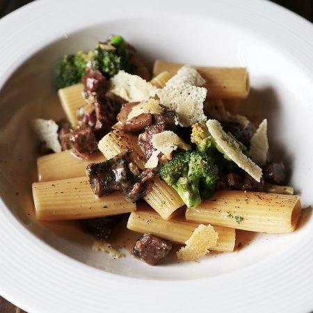 Truffles Bar & Ristorante: Delicious pasta