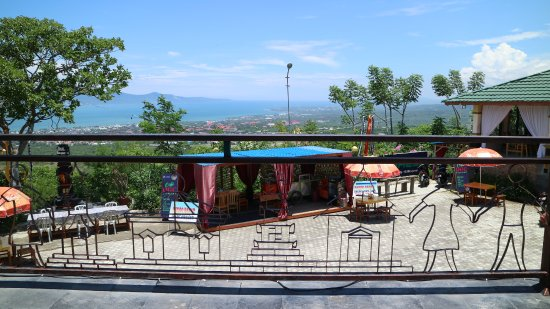 Monument Nosarara Nosabatutu: suasana