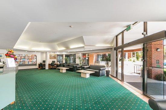 Rivervale, Australien: Reception