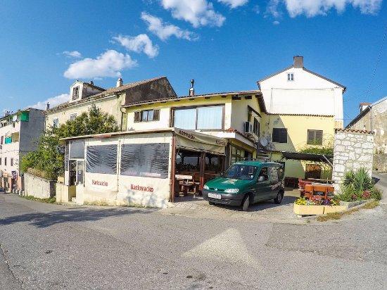 Kraljevica, Croacia: Exterior of the pizzeria