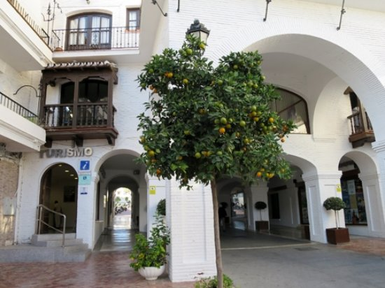 Nerja turismo all you need to know before you go with for Oficina turismo nerja